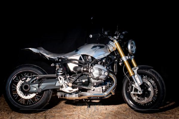 BMW RNINET by Lowride – Project 2016
